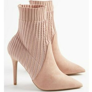 *CUTE* NEW Cable Knit Booties!!!